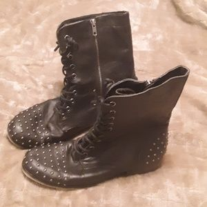 Black Madden girl lace up studded retro boot